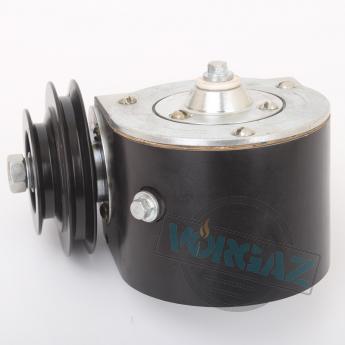 Общий вид 3 редуктора для привода стакана консистометра КЦ-3